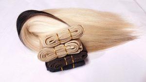 הדבקת תוספות שיער לשיפור מראה שיער דק