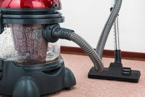 Read more about the article האם ניקוי שטיחים בבית יעיל?